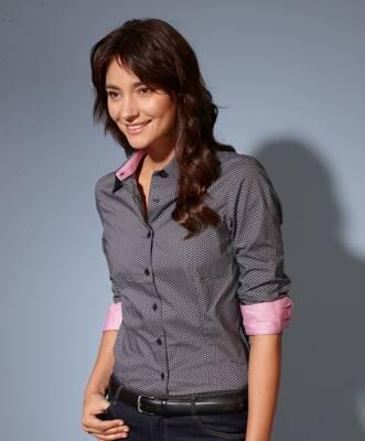 Business Casual pro ženy Smart casual dress code pro ženy v zaměstnání z  eshopu SmartMen.cz Smart Casual pro muže Business casula neformální ... 3381f009774